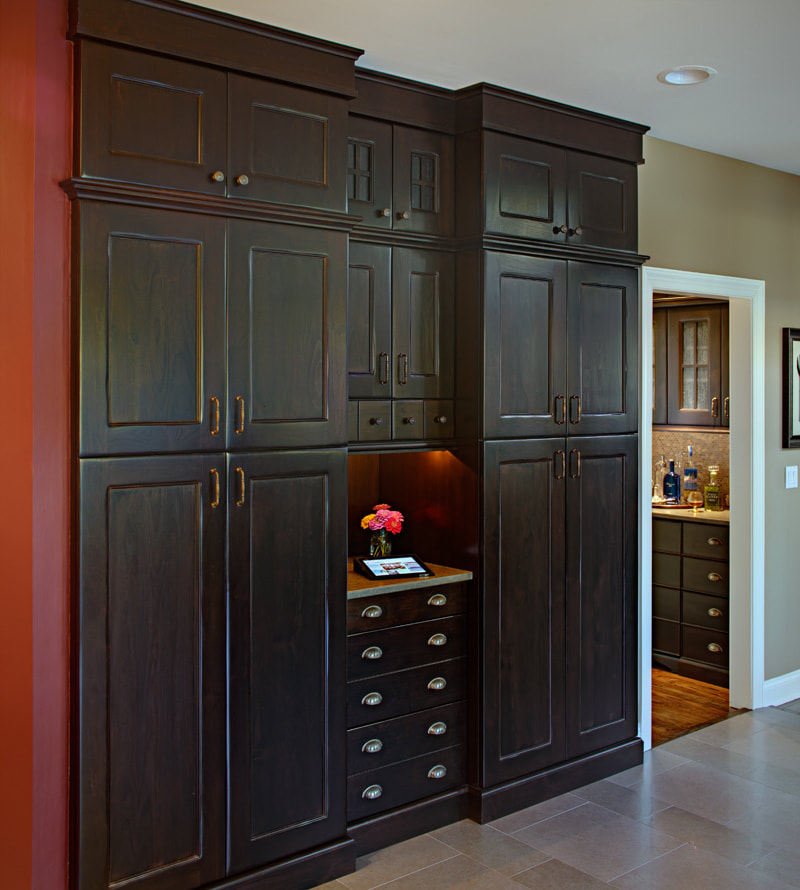 Custom Built-In Cabinetry And Closets